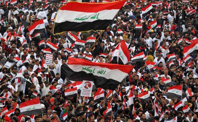 Protirežimski protestniki v Iraku. Foto: Ahmad Al-rubaye/Afp