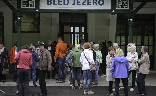 Med postajama Bled jezero in Nova Gorica je avgusta potovalo več kot 36.000 ljudi. FOTO: Jože Suhadolnik