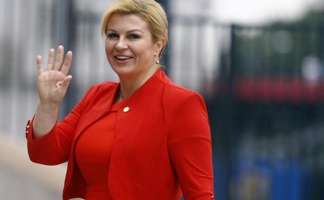 Kolinda Grabar Kitarović odhaja s predsedniškega položaja, potem ko je na nedavnih volitvah izgubila proti Zoranu Milanoviću. FOTO: Kacper Pempel/Reuters