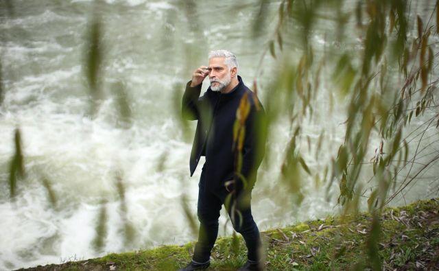 Dodal bi takoj preprosto rešitev: pri Jezeru uvedite podnapise v določeni, ne vem kateri slovenščini. KFoto: Jure Eržen/delo