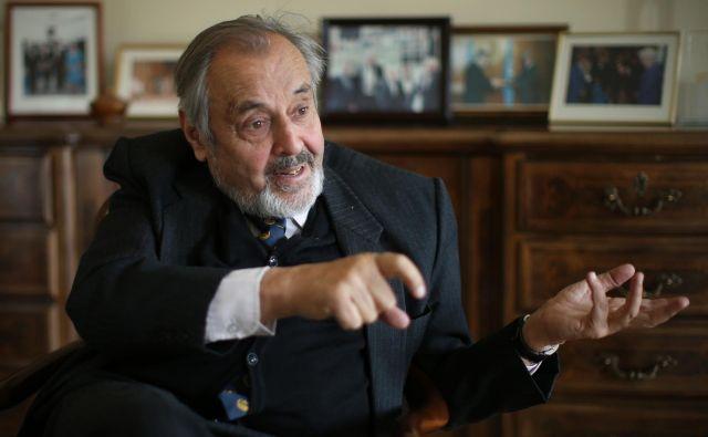 Ernest Petrič je v izjavi za Delo povedal, da bo po njegovem mnenju treba vložiti veliko napora v iskanje poti do učinkovite vlade v sedanji sestavi državnega zbora. FOTO: Jure Eržen/Delo
