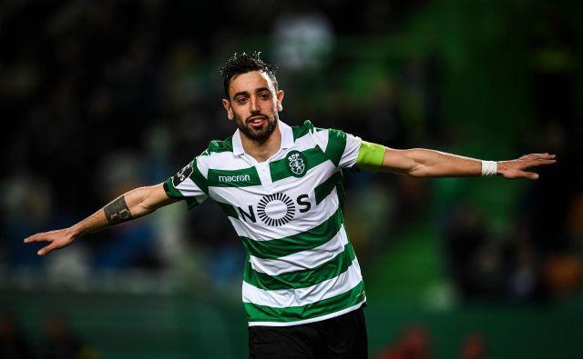 Bruno Fernandes bo zeleno-belo majico Sportinga zamenjal za opravo Manchester Uniteda. FOTO: AFP