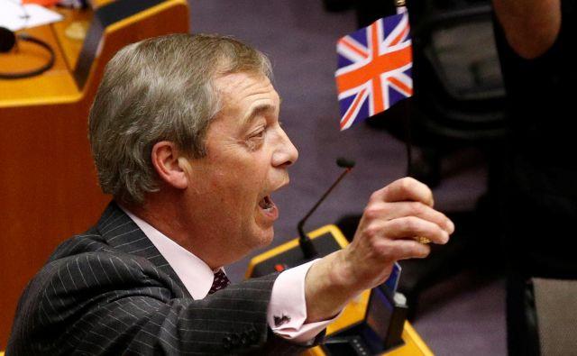 Nigel Farage se po več kot 20 letih poslavlja od evropskega parlamenta. FOTO: Francois Lenoir/Reuters