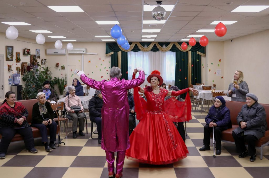FOTO:Ruski plesni par dokazuje, da je starost le številka