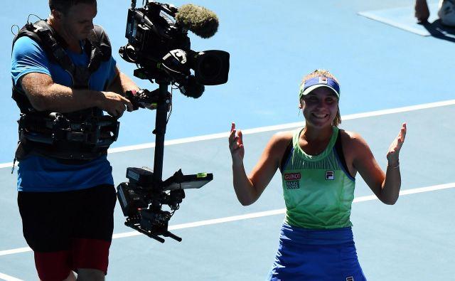 Sofia Kenin je največje presenečenje uvodnega velikega teniškega slama v sezoni, saj se je v svoj prvi finale uvrstila preko prve nosilke in avstralske junakinje Ashleigh Barty. FOTO: AFP