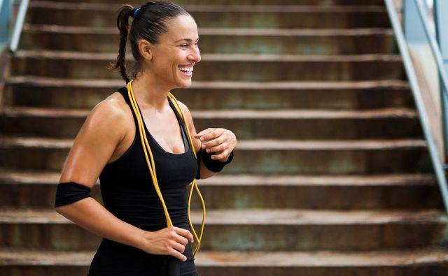 Predstavljamo intervalno vadbo za celotno telo, ki vam bo povišala srčni utrip, aktivirala vse glavne mišične skupine in topila maščobo. FOTO: Healthline