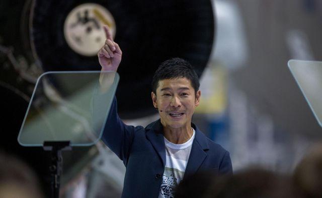 Japonski milijarder Jusaku Maezava očitno noče spoznati ženske svojih sanj prek resničnostnega šova. FOTO: David Mcnew/AFP