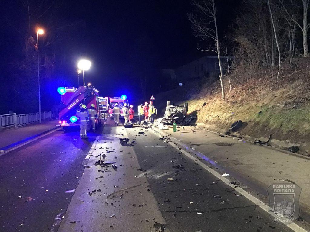 Voznik umrl na kraju nesreče