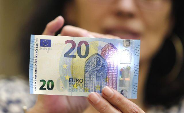 Evropska unija je v statističnih podatkih še zadnjič zajela Veliko Britanijo, ki opolnoči izstopa iz članstva. Izstop bo nekoliko polepšal gospodarsko rast skupnosti. FOTO: Ale�š Černivec/Delo