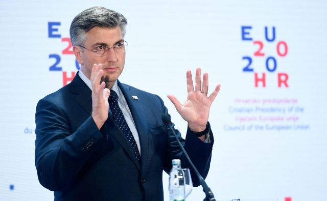 Andrej Plenković: »Znova pozivam Slovenijo k dialogu in dvostranskim pogajanjem, da bi prišli do obojestransko sprejemljive in trajne rešitve vprašanja o meji.« FOTO: Cropix