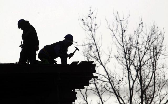V gradbeništvu je bilo novembra lani zaposlenih 65.792 oseb, kar je največ po letu 2011.FOTO: Roman Šipić/Delo