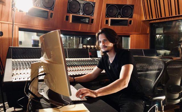 Skladatelj Anže Rozman v losangeleškem studiu.<br /> FOTO: Osebni arhiv