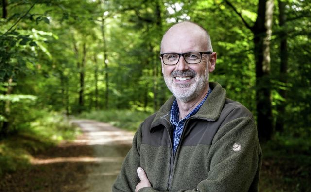 Simpatični gozdar Peter Wohlleben je s svojimi teorijami o skrivnem življenju dreves postal slaven. FOTO: Arhiv Petra Wohllebna
