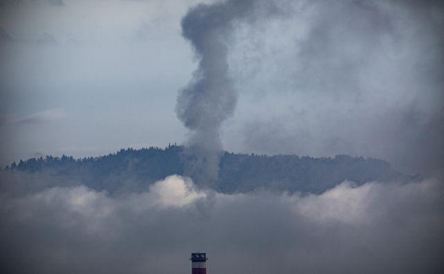 Na podlagi meritev vrednosti onesnaženosti zraka z delci PM10 in PM2,5 se je zrak izboljšal v Ljubljani, ne pa tudi drugod po državi. FOTO: Voranc Vogel
