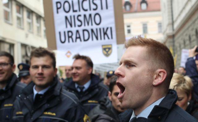 V Policijskem sindikatu Slovenije, drugem reprezentativnem sindikatu policistov, menijo, da so stavkovne zahteve iz sporazuma z vlado trenutno »v reševanju in so ustrezno pravno zavarovane«. FOTO: Tomi Lombar