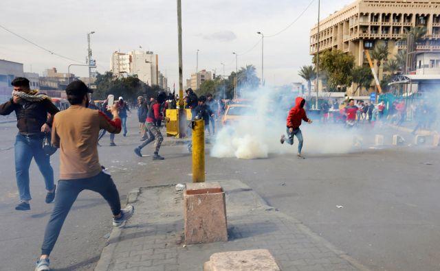 Demonstrati so izrazili nasprotovanje novemu mandatarju. FOTO: Wissm Al-okili/Reuters