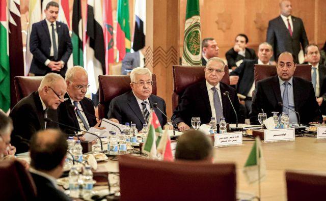 Zunanji ministri držav Arabske lige so na današnjem izrednem zasedanju razpravljaji o viziji reševanja konflikta med Izraelom in Palestino, ki so ga v ZDA predstavili ta teden. FOTO: Khaled Desouki/AFP