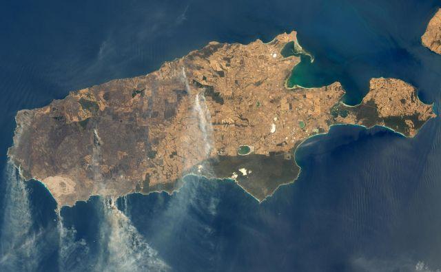 Kengurujski otok 9. januarja letos. FOTO: Nasa Earth Observatory
