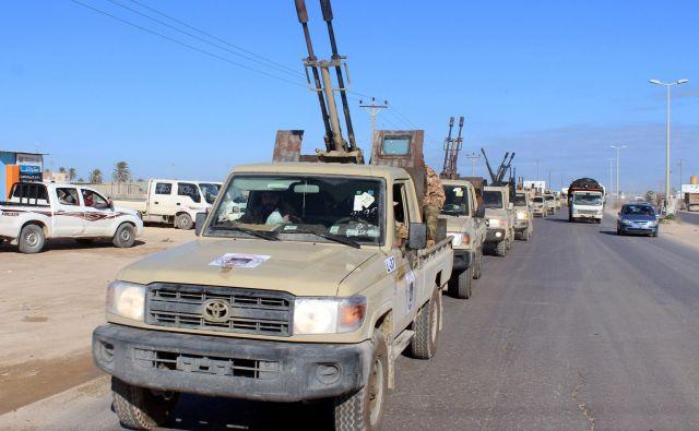 Konflikt v Libiji je z domov pregnal 150.000 ljudi. FOTO:Ayman Al-sahili/Reuters