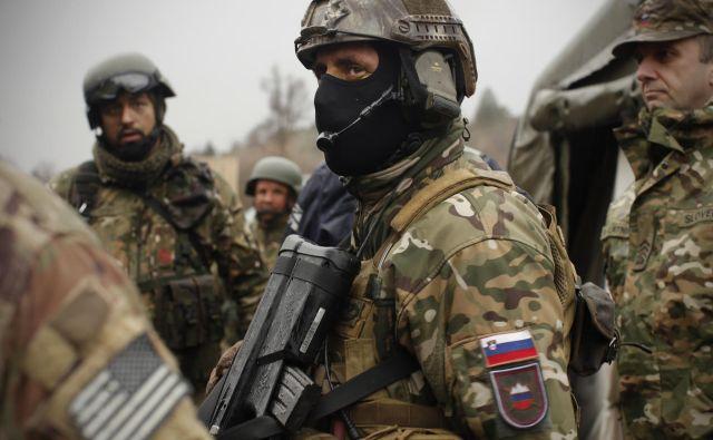 Slovenski in ameriški vojaki, ki so nameščeni v Evropi, se z različnih skupnih usposabljanj že dobro poznajo.<br /> Foto Jure Eržen
