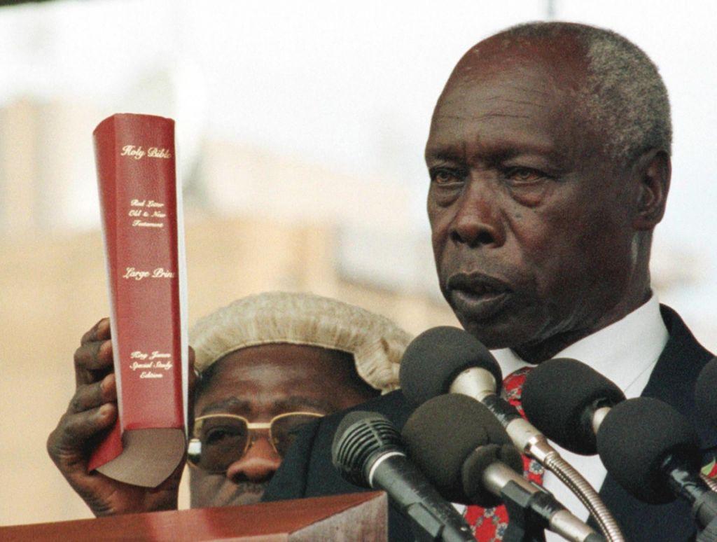 Umrl je kenijski voditelj z najdaljšim stažem