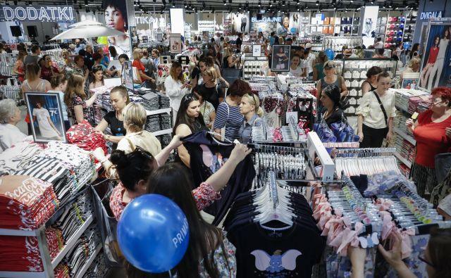 Slovenski kupci so lani kljub novim nakupovalnim središčem najbolj zmanjšali obseg nakupov, izhaja iz podatkov evropskega statističnega organa. FOTO: Uroš Hočevar/Delo