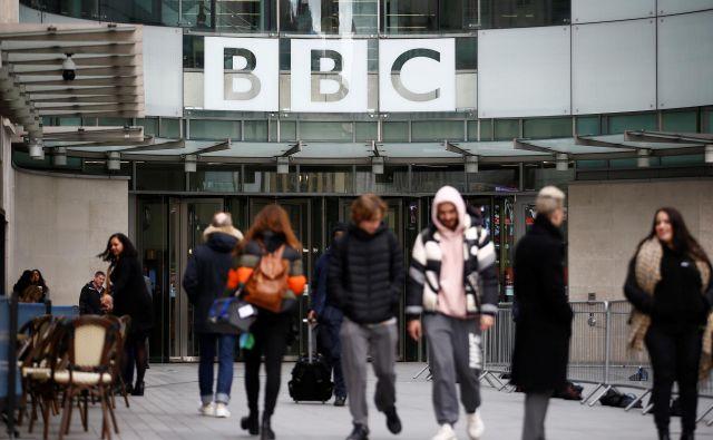 Naročnina za BBC britanska gospodinjstva s televizijskimi sprejemniki na leto stane 154,5 funtov, število naročnikov pa po zadnjih podatkih znaša nekaj manj kot 26 milijonov. Foto: REUTERS