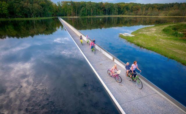 Belgija je sanjska dežela za kolesarje že vse od leta 1995, ko je odprla omrežje kolesarskih poti, ki danes skupaj merijo okoli 2000 kilometrov. Foto Visit Limburg