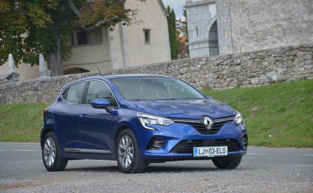 Renault clio je bil lani slovenski prodajni prvak. Lani poleti so zaceli prodajati peto generacijo. FOTO: Gašper Boncelj