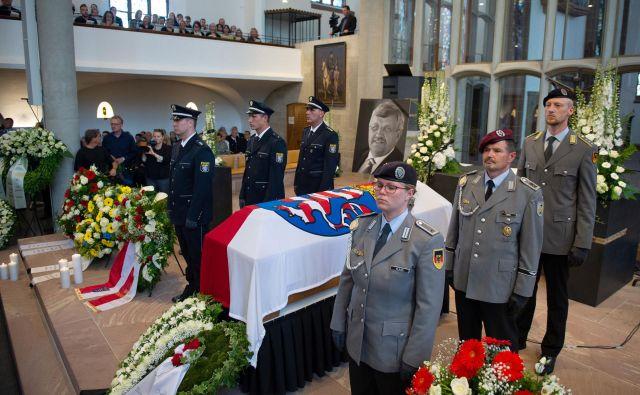 Da lahko grožnje vodijo v okrutna dejanja, je pokazal tudi lanski umor politika Walterja Lübckeja. Foto: Reuters