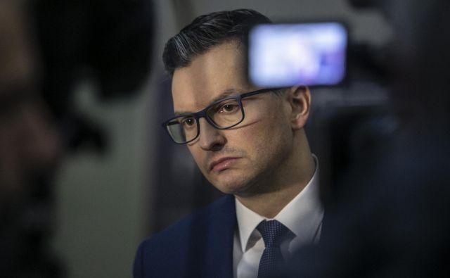 Marjan Šarec je z odstopom z mesta predsednika vlade predal odločitev, ali poskusiti z novo koalicijo ali se podati na predčasne volitve prvaku SDS. Foto Voranc Vogel