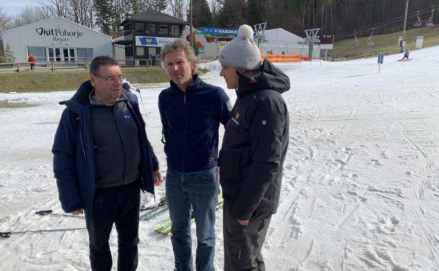 Markus Mayr (v sredini) Srečku Vilarju (levo) in Mitji Dragšiču (desno) še ni prižgal zelene luči za 56. Zlato lisico. FOTO: Mariborinfo