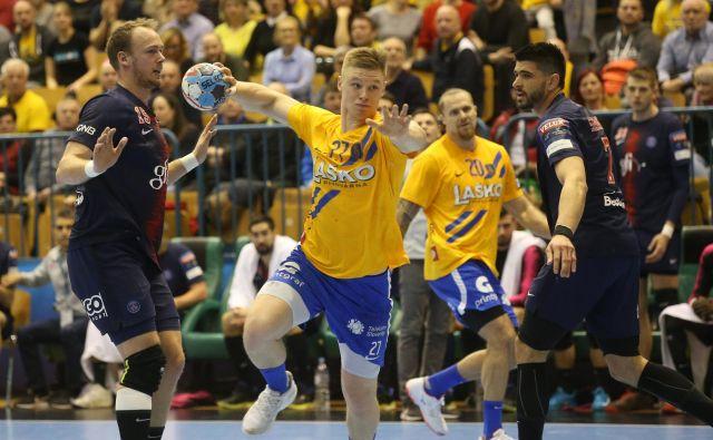Kristian Horžen že ima izkušnje z igranjem proti Paris Saint-Germainu. Lani je v Zlatorogu dosegel tri gole za 32:36. FOTO: Tadej Regent