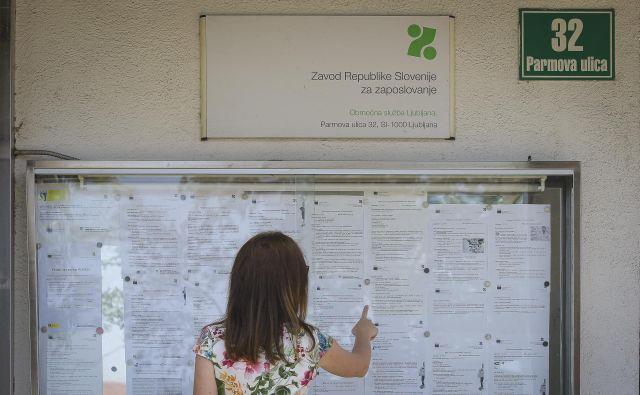 Delodajalci so januarja zavodu sporočili 12.401 prosto delovno mesto, kar je 13,4 odstotka manj kot januarja lani. Foto Jože Suhadolnik