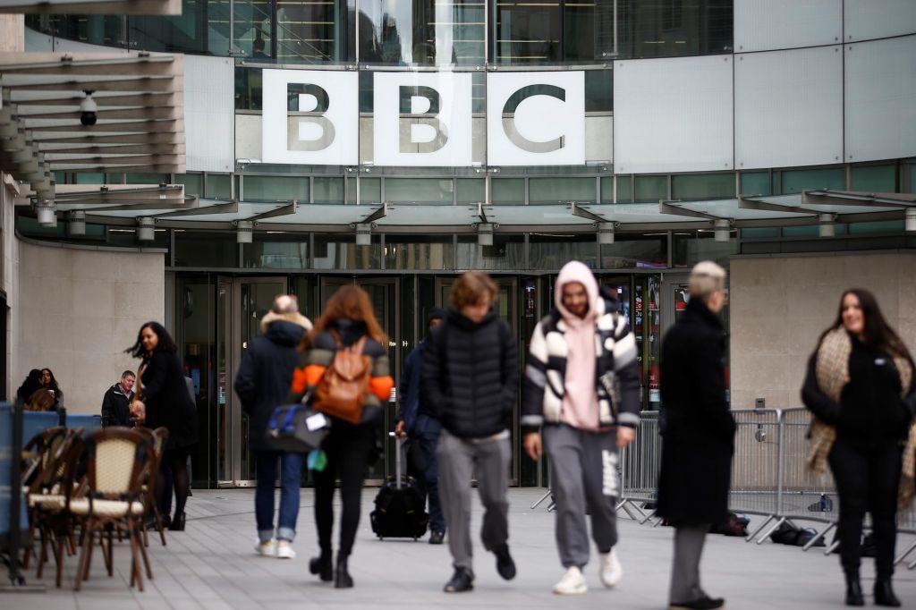 Kako dolgo se bo BBC še financiral iz naročnin?