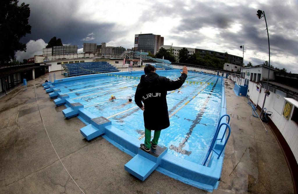 Tudi v 2021 še brez olimpijskega bazena