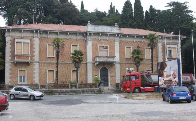 Nekdanja Drogina upravna stavba v Portorožu ima nove kitajske lastnike. FOTO: Boris Šuligoj