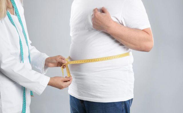 Smer je podobna kot pri mlajših, kroničnih bolnikih, zato se pristop k obravnavi debelega starostnika razlikuje od obravnave debelosti mladega zdravega človeka.Foto: Shutterstock