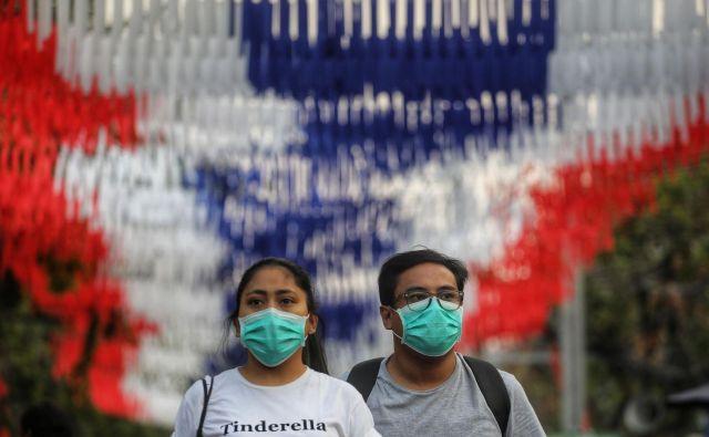S Kitajske so sporočili, da so bolezen, ki jo povzroča novi virus, neuradno poimenovali pljučnica novega koronavirusa. FOTO: Vivek Prakash/AFP