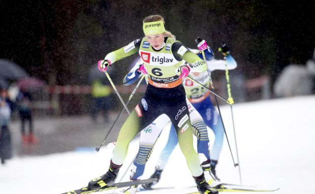 Vodilna v sprinterski razvrstitvi Anamarija Lampič je bila sedma, 46,2 sekundi je edina slovenska predstavnica na tekmi zaostala za Johaugovo. FOTO: Roman Šipić