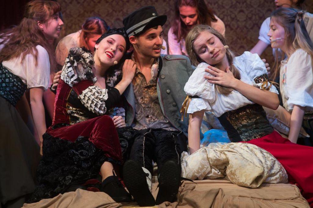 Namigi prireditev: Figarova svatba, ogled zaodrja Drame in Ravenski pust