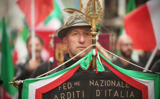 Prireditev ob<em> Dnevu spomina</em> v Bazovici so protestno zapustili predstavniki levih demokratov. Med njimi je bila tudi sentaroka Tatjana Rojc. Foto Blaž� Samec
