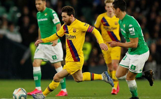 Nogometaš z najvišjo plačo na svetu Lionel Messi ne bo potreboval pomoč nogometnega sindikata in Fifa, a za veliko manj znanih igralcev bodo nadomestila za neplačevanje klubov iz posebnega sklada več kot dobrodošla. FOTO: Reuters