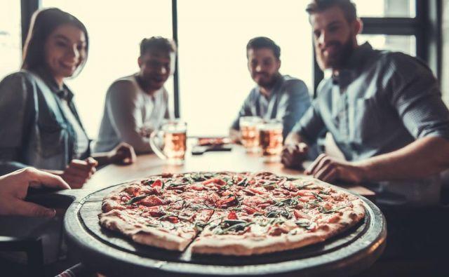 Z nadomeščanjem posameznih sestavin smo sestavili seznam nezdravih jedi, ki smo jih s spremembami spremenili v jedi, primerne za vrhunske športnike in rekreativce.<br /> Foto: Shutterstock