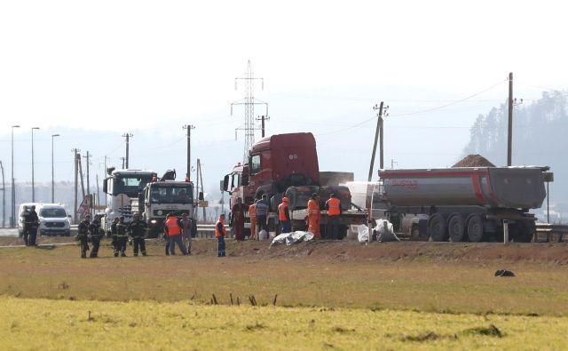 Policisti bodo o ugotovitvah okoliščin prometne nesreče obvestili pristojno tožilstvo. FOTO: Dejan Javornik/Slovenske novice