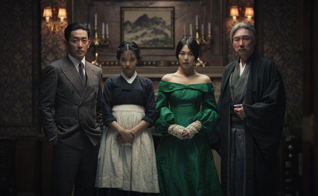 <em>Parazit </em>je nedvomno sijajen film, vendar bi v preteklem desetletju našli vrsto južnokorejskih filmov, ki so mu enakovredni – <em>Služkinja </em>je nedvomno eden od takšnih. Foto promocijsko gradivo