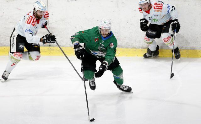 Gal Koren je med udarnimi aduti zmajev, nazadnje pa je bil tudi med slovenskimi reprezentanti. FOTO: Roman Šipić/Delo