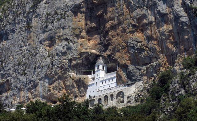 Samostan Ostrog v Črni gori. FOTO: Bla�ž Samec
