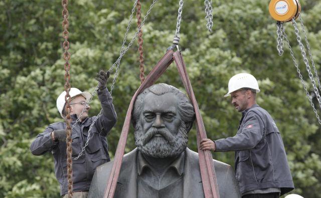 <em>Economist </em>je bil eden glavnih virov, iz katerih je Marx črpal informacije o takratnem gospodarskem dogajanju, življenjskih navadah ter zvijačah kapitala in njegovih posledicah za družbo (in, seveda, za prihajajoči razredni boj). FOTO: Tobias Schwarz/Reuters