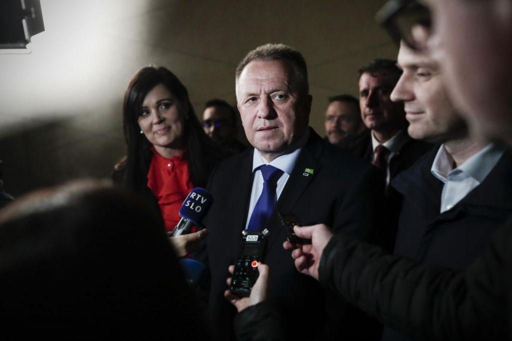FOTO:Kaj pravi prvak SMC o svojem odhodu, če ne bo prepričal stranke